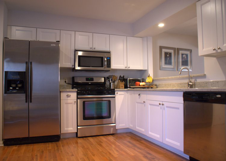 Before and After: 70′s Kitchen Renovation by Renee and Sean on One Project
