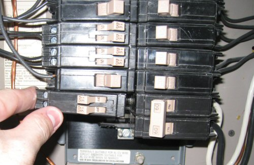split-breaker-in-a-breaker-panel