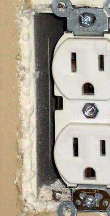 InsulatedOutlet