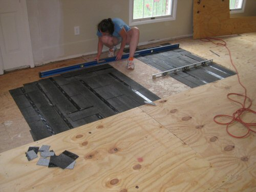 How to Level a Plywood Floor for Tile