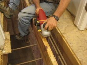 planing-a-joist-using-a-craftsman-planer-280