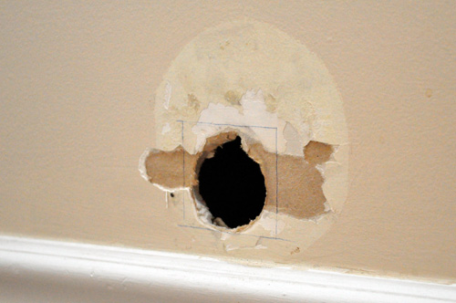 How To Repair A Medium Size Hole In Drywall Home Beautified