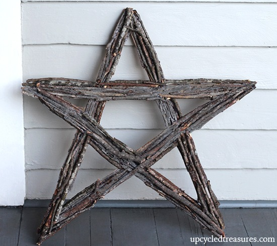 twig-star-wreath-before-snow-upcycledtreasures